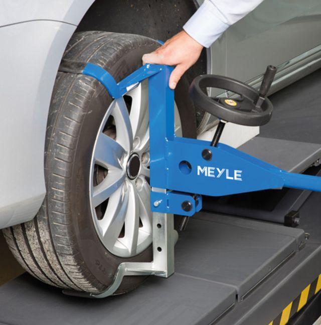 Характер износа шин — новое видео из серии «Механики MEYLE» рассказывает об основных причинах возникновения износа шин и устранении неисправностей