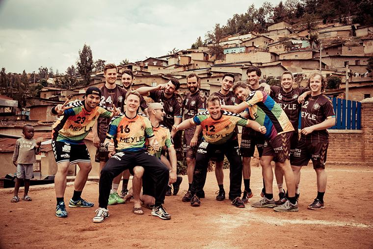 Cierre de temporada en Ruanda: éxito completo del proyecto de patrocinio de los jugadores de balonmano del FC St. Pauli