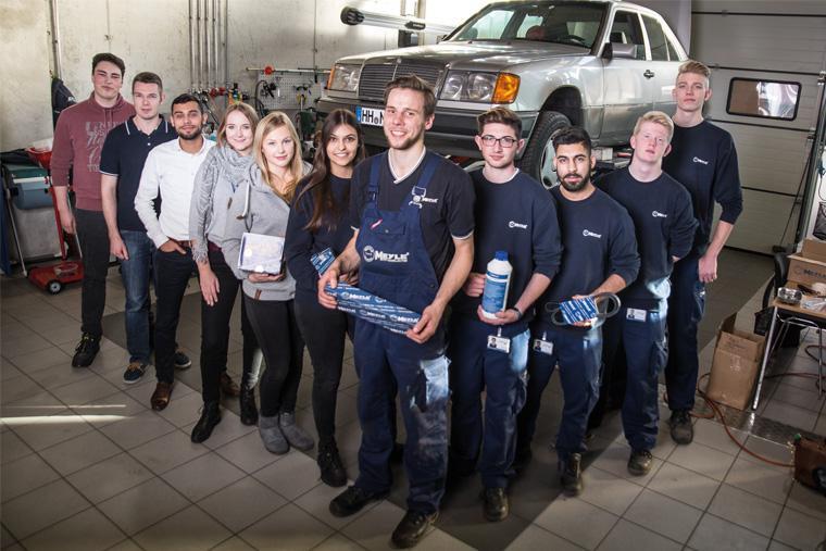"""Proyecto de los aprendices de MEYLE de todos los departamentos: El espíritu de equipo permite participar en el Rally """"Dust & Diesel"""""""